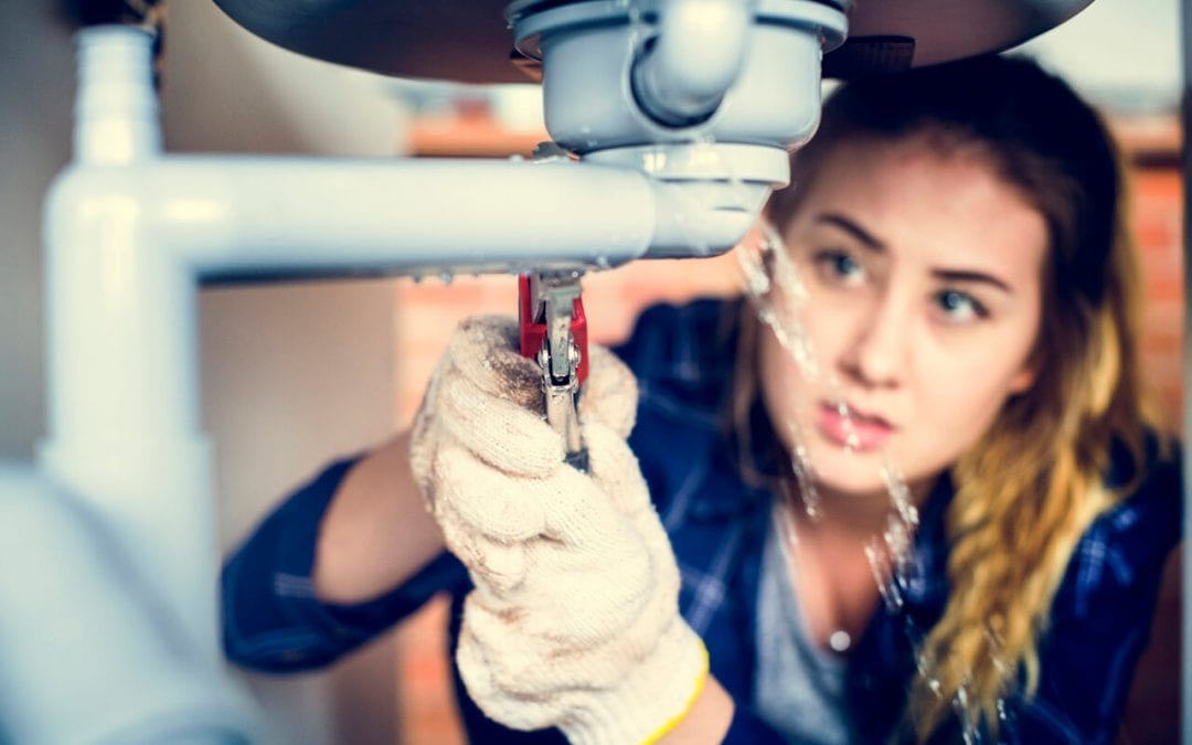 6 Signs of Plumbing Issues at Home